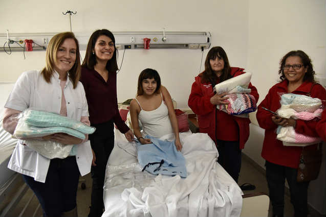 """Tigre entregó mantas a recién nacidos del Hospital Materno Infantil """"Dr. Florencio Escardó"""""""