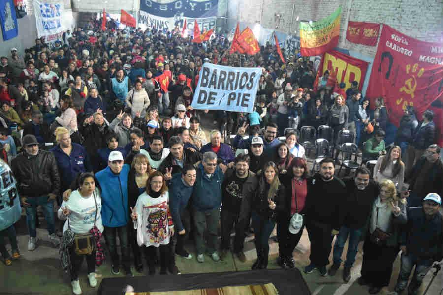 Gran acto de los movimientos populares en Malvinas Argentinas