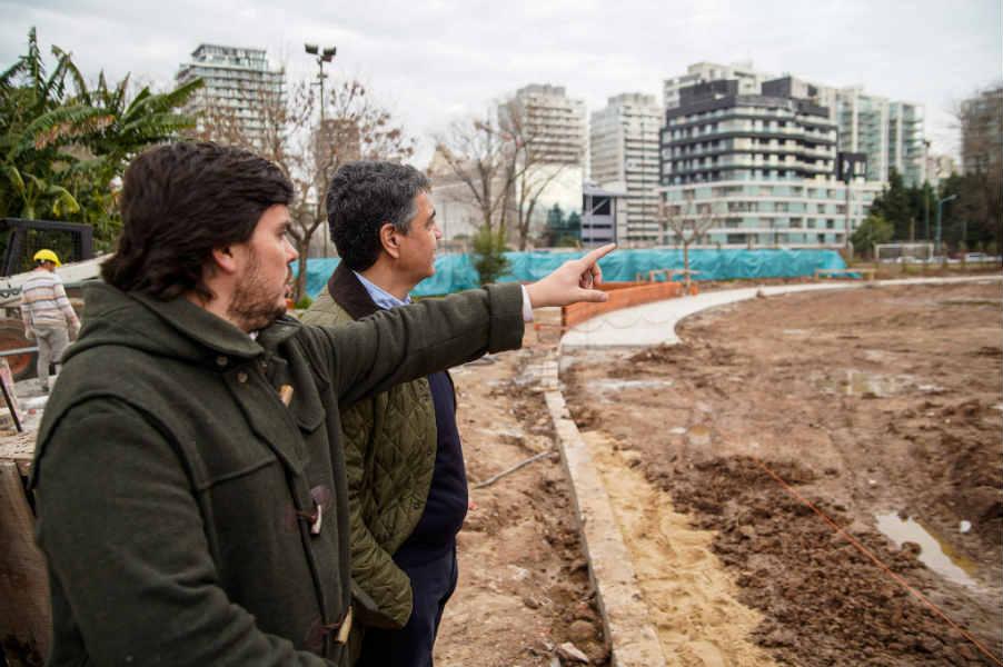 Jorge Macri recorrió las obras de la puesta en valor de distintos espacios en el Paseo de la Costa
