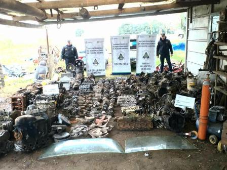 Clausuran taller clandestino en General Madariaga: incautan centenar de autopartes y cubiertas de procedencia ilícita