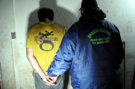 """Desbaratan la cocina de """"Doña Adriana"""": producían cocaína, pasta base y marihuana en Avellaneda y la distribuían en todo el sur del conurbano"""