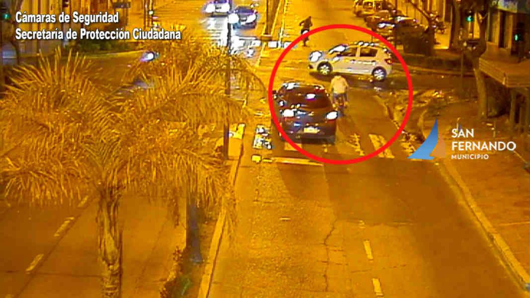 Las Patrullas Municipales de San Fernando detienen a dos motociclistas que hacían picadas y chocaron un auto