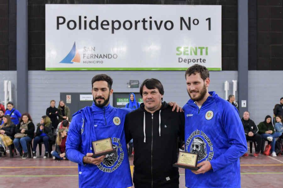 Son Federico Fernández y los hermanos Ignacio y Federico Pizarro, quienes fueron reconocidos por el Secretario de Educación y Deporte, Carlos Traverso.