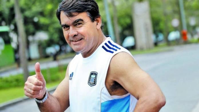 """Sentida despedida a los restos de """"Tata"""" Brown, campeón del mundo con la Selección Argentina en México 1986"""
