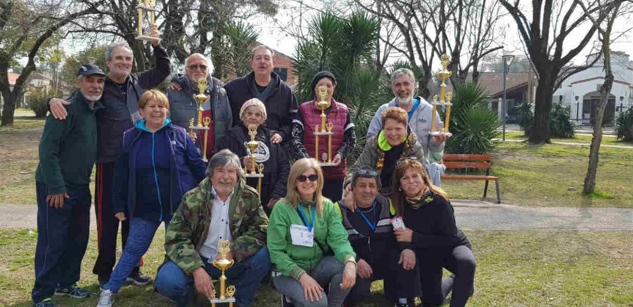 Más de 200 vecinos en la caminata del adulto mayor en Villa Morra