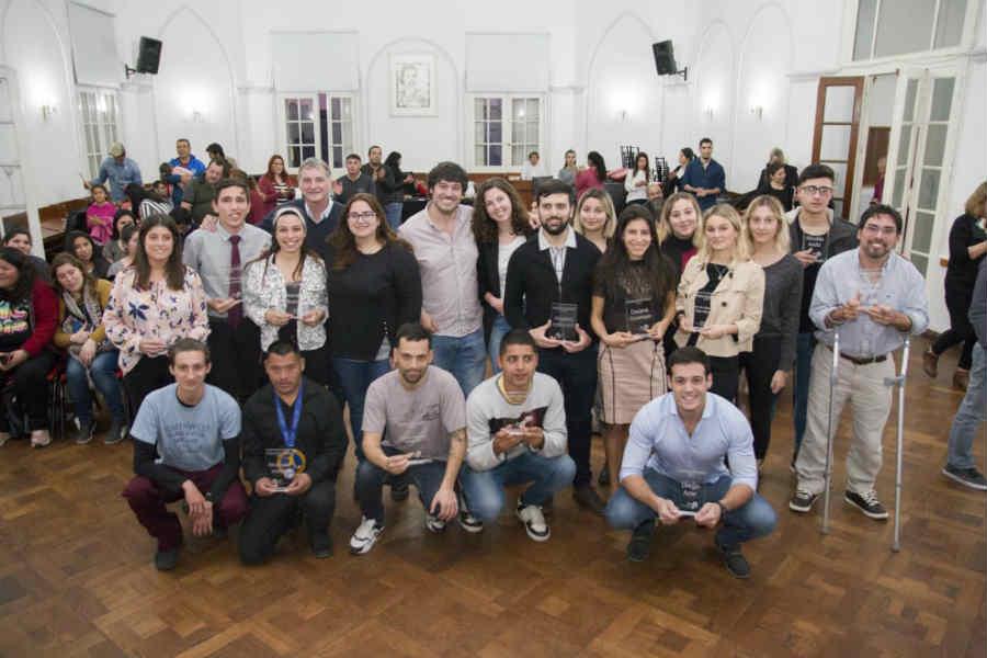 Se entregaron reconocimientos a jóvenes destacados de Pilar