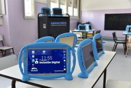 San Martín entregó 765 tablets a jardines de infantes