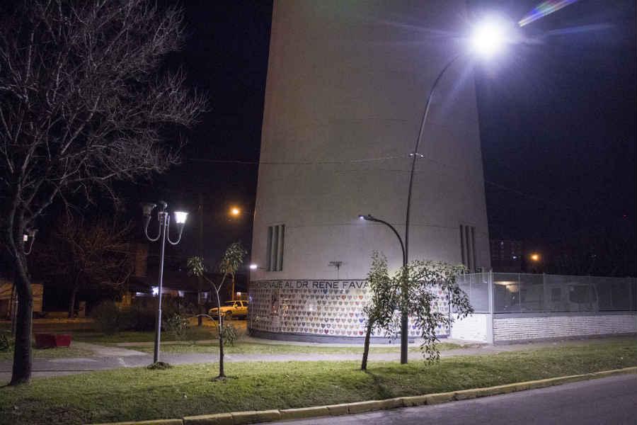 Avanza el plan de alumbrado público en todo Pilar