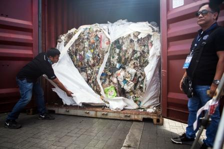 Greenpeace exigió la nulidad del decreto que permite importar basura