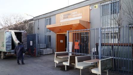 San Isidro: La fundación Vivienda Digna recibe  donaciones de materiales de construcción y muebles