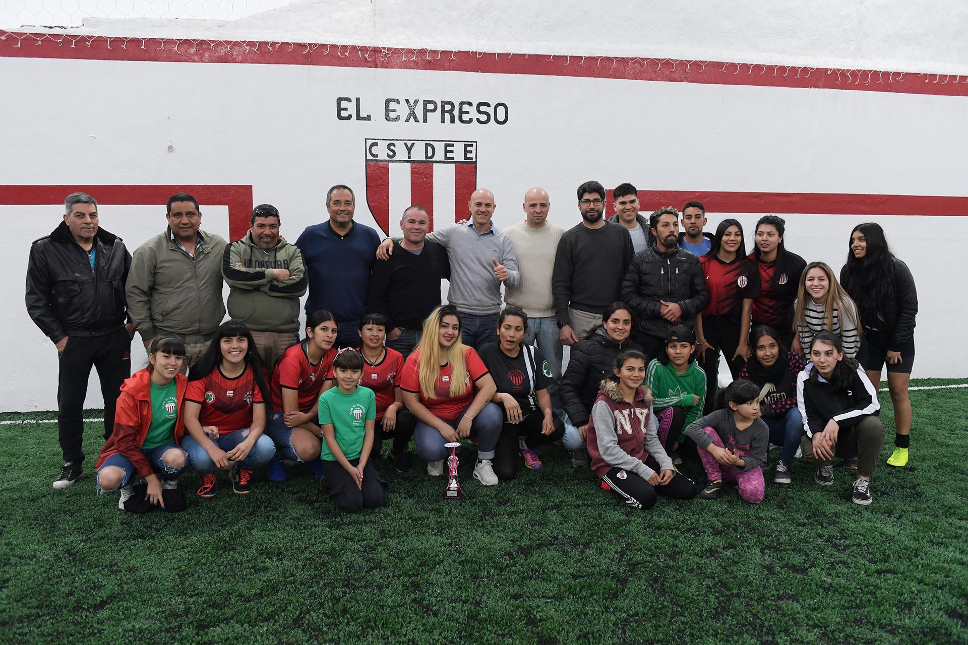 El Municipio colaboró en la renovación del Club El Expreso
