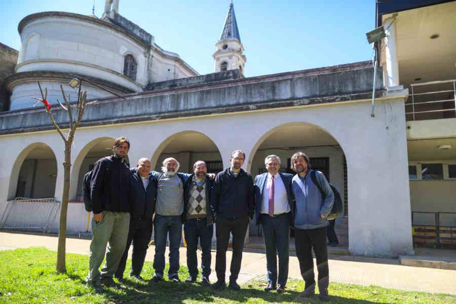 """Alberto Fernández se reunió con """"curas villeros"""" y dijo que la """"prioridad"""" es una """"Argentina sin hambre"""""""