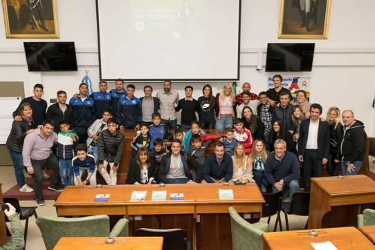 """Se realizó en el HCD de San Isidro la Charla """"Educar en valores a través del deporte es posible"""
