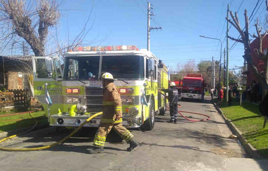 Un incendio afectó a dos casas en General Pacheco