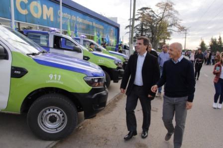 Ducoté y Ritondo entregaron nuevos móviles al comando de patrullas de Pilar