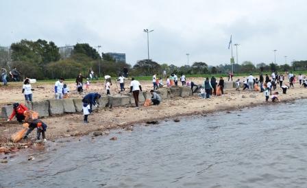 Vicente López se suma a una jornada internacional de limpieza de playas