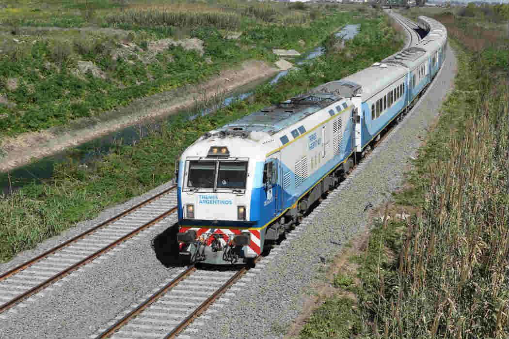 Nuevas vías del tren Mitre entre José L. Suárez y Bancalari