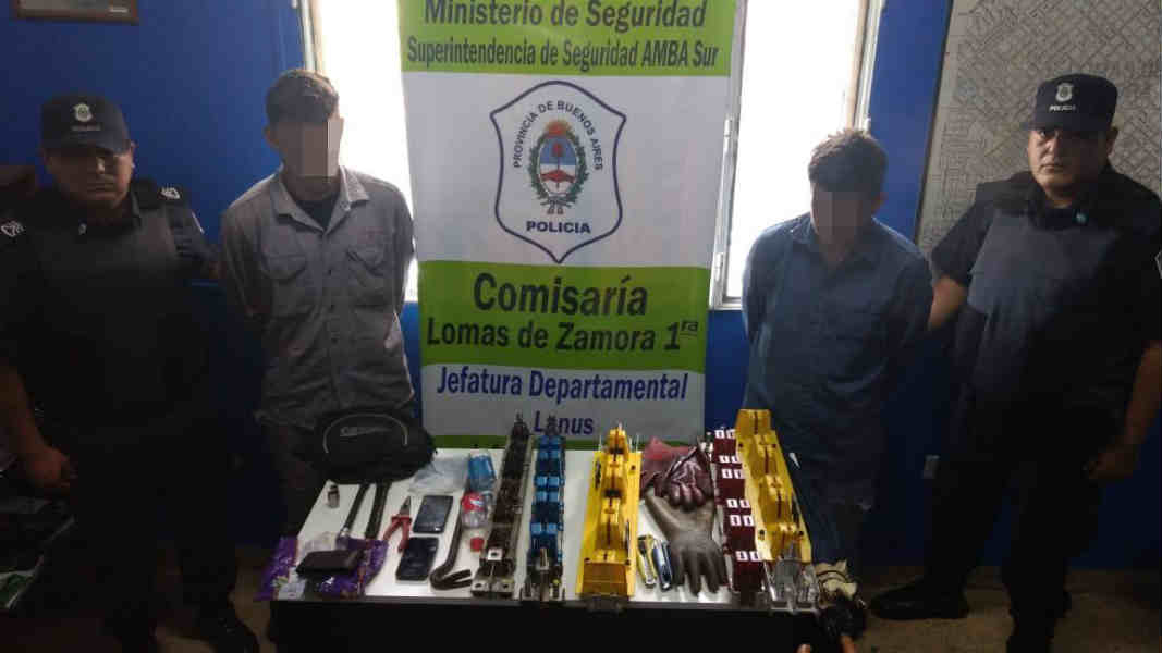 Detuvieron en Lomas de Zamora falsos operarios de Edesur que robaban partes de los transformadores de luz