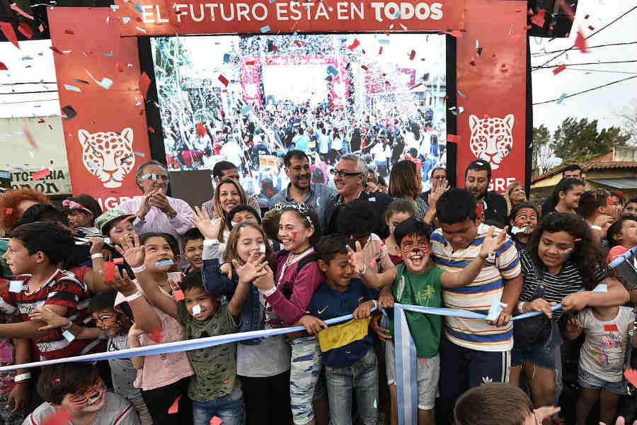 Julio Zamora inauguró el remodelado Boulevard Castiglioni en Rincón de Milberg