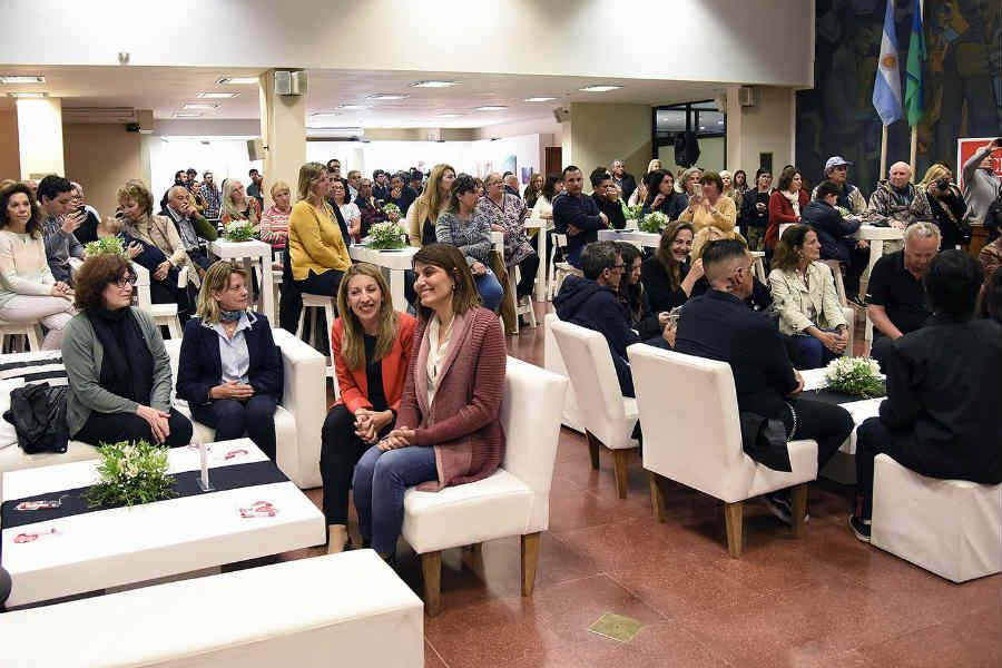 En el HCD, artistas de Tigre protagonizaron una nueva edición de la Muestra de Arte de Vecinos