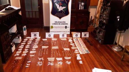 """Cayó banda narco liderada por una familia acusada de comercializar """"al menudeo"""" en Lomas de Zamora"""