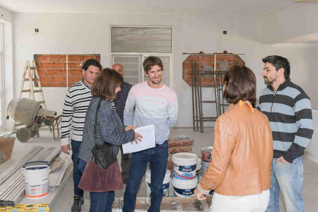 El candidato a Intendente Juan Andreotti supervisó el avance de la puesta en valor de la dependencia municipal (Roberto Payró y Miguel Cané), por donde más mas de 500 vecinos todas las semanas para cursar en diversos talleres gratuitos.