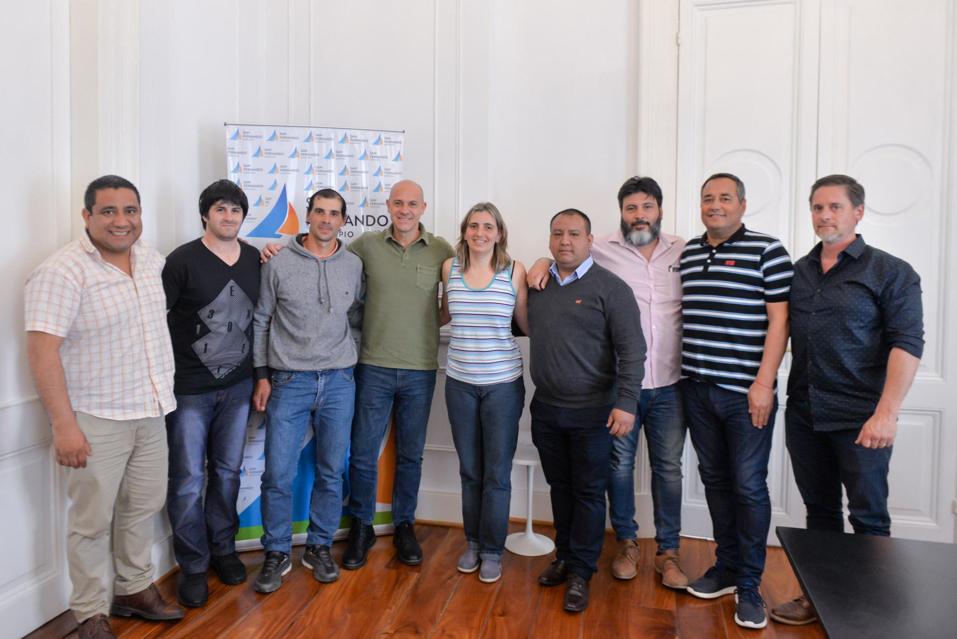 El Presidente del HCD y primer candidato a concejal por el Frente de Todos, Santiago Aparicio, entregó en representación del Municipio subsidios a las instituciones deportivas Felicaria y 9 de Julio para el mantenimiento de sus instalaciones.