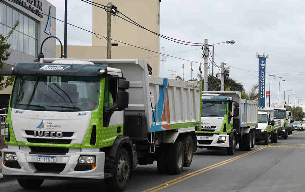 San Fernando envió una flota de vehículos para asistir a La Matanza tras el fuerte temporal