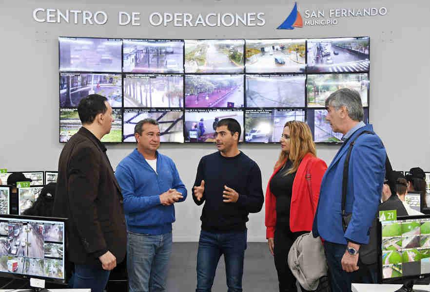 El Intendente de Trelew visitó el Centro de Operaciones de San Fernando