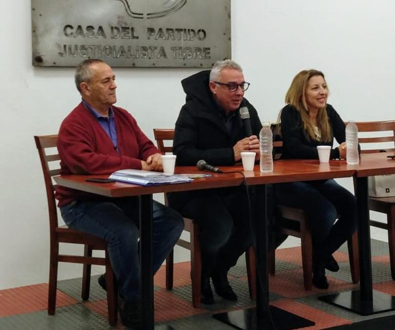En el Día de la Lealtad y junto a Zamora, Roberto Passo asumió como presidente del PJ de Tigre