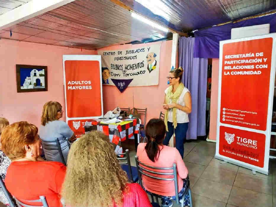 """En Don Torcuato Tigre brindó el taller """"Honrar la vida"""" para la Tercera Edad"""
