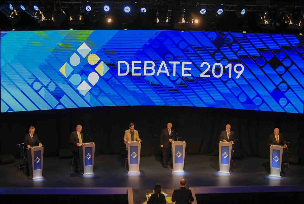 Con picantes cruces entre Macri y Fernández, debatieron los seis candidatos a una semana de la definición electoral