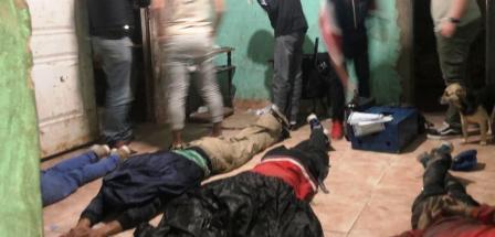 """Cayó en Billinghurts la banda narco de """"La Rubia"""": secuestraron más de 14 kilos de droga y detuvieron a 11 personas"""
