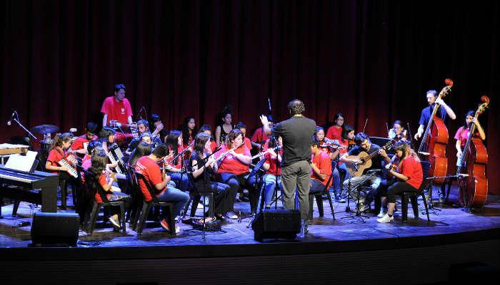 Alumnos de las Orquestas Infanto Juveniles de Tigre recibieron una clínica de ritmos populares