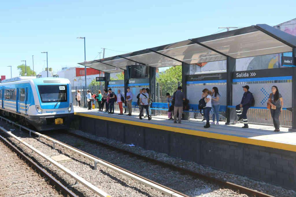 La renovadas la estación Carupá del tren Mitre comenzó a funcionar