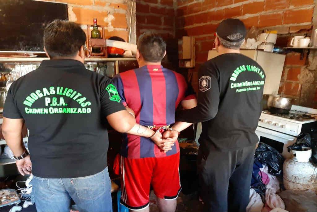 Remedios de Escalada: desbarataron banda narco que vendía paco en dos búnkeres