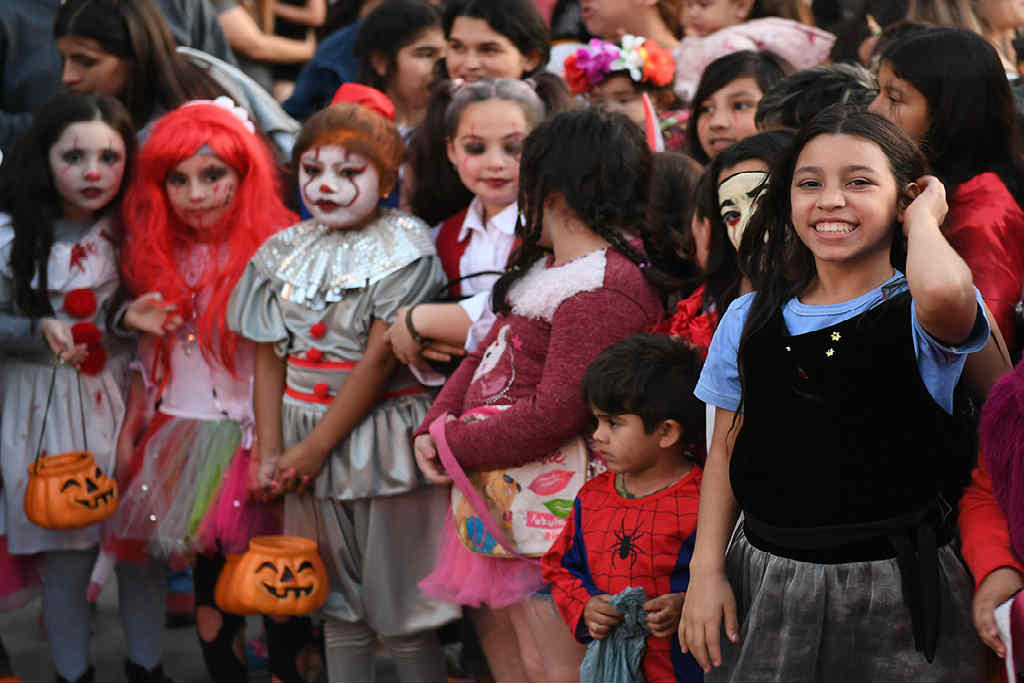 El barrio Fate de San Fernando festejó Halloween