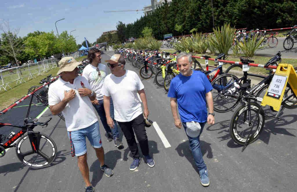 El intendente Julio Zamora visitó la Expo Ironman