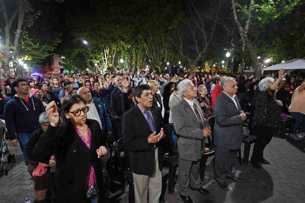 San Fernando, Oramos por vos se celebró en la Plaza Mitre