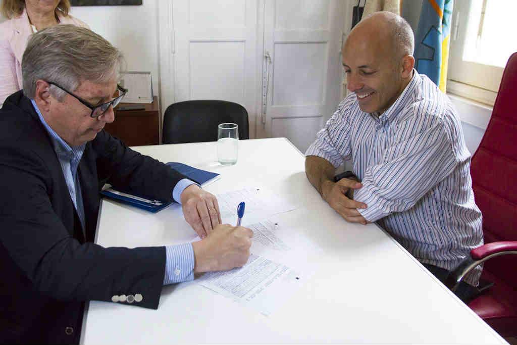 Ducoté firmó un convenio de cooperación con la UTN Pacheco