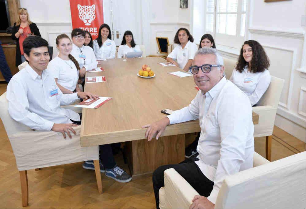 Más de 40 alumnos de Tigre culminaron sus primeras experiencias laborales en el Municipio