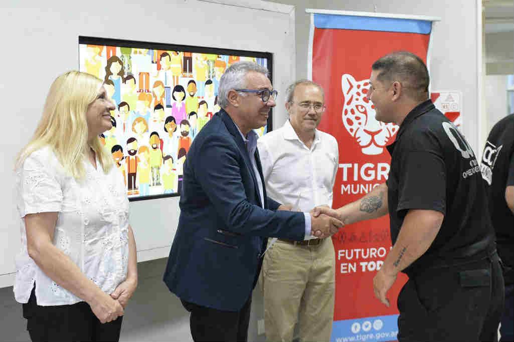 Tigre entregó certificados de la primera Diplomatura en Seguridad Pública dictada en el CUT