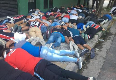 Casi 100 detenidos en Chacarita-Tigre