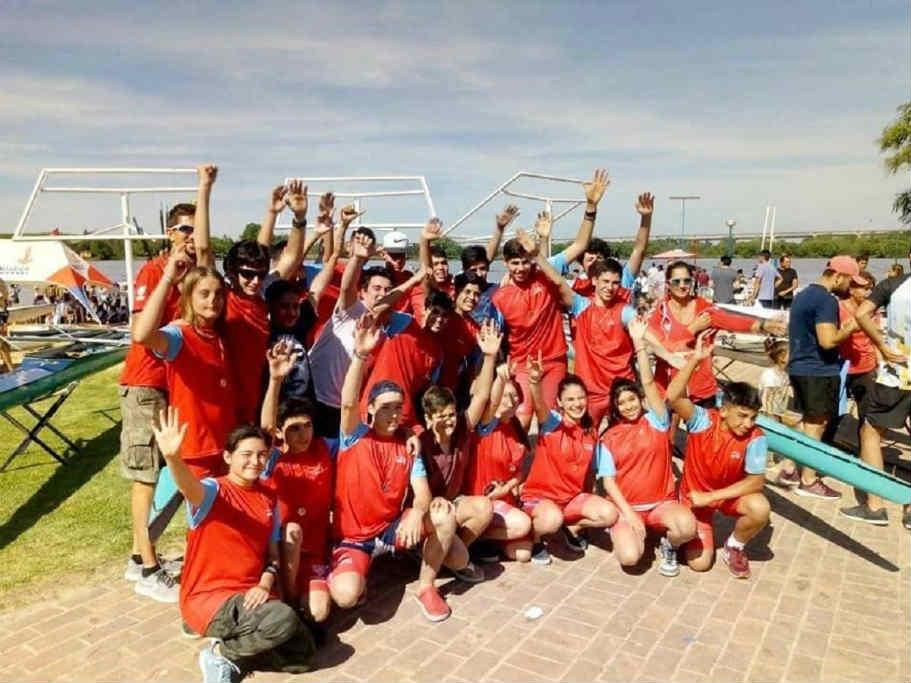 La Escuela Municipal de Remo de Tigre compitió en la Regata de Zárate