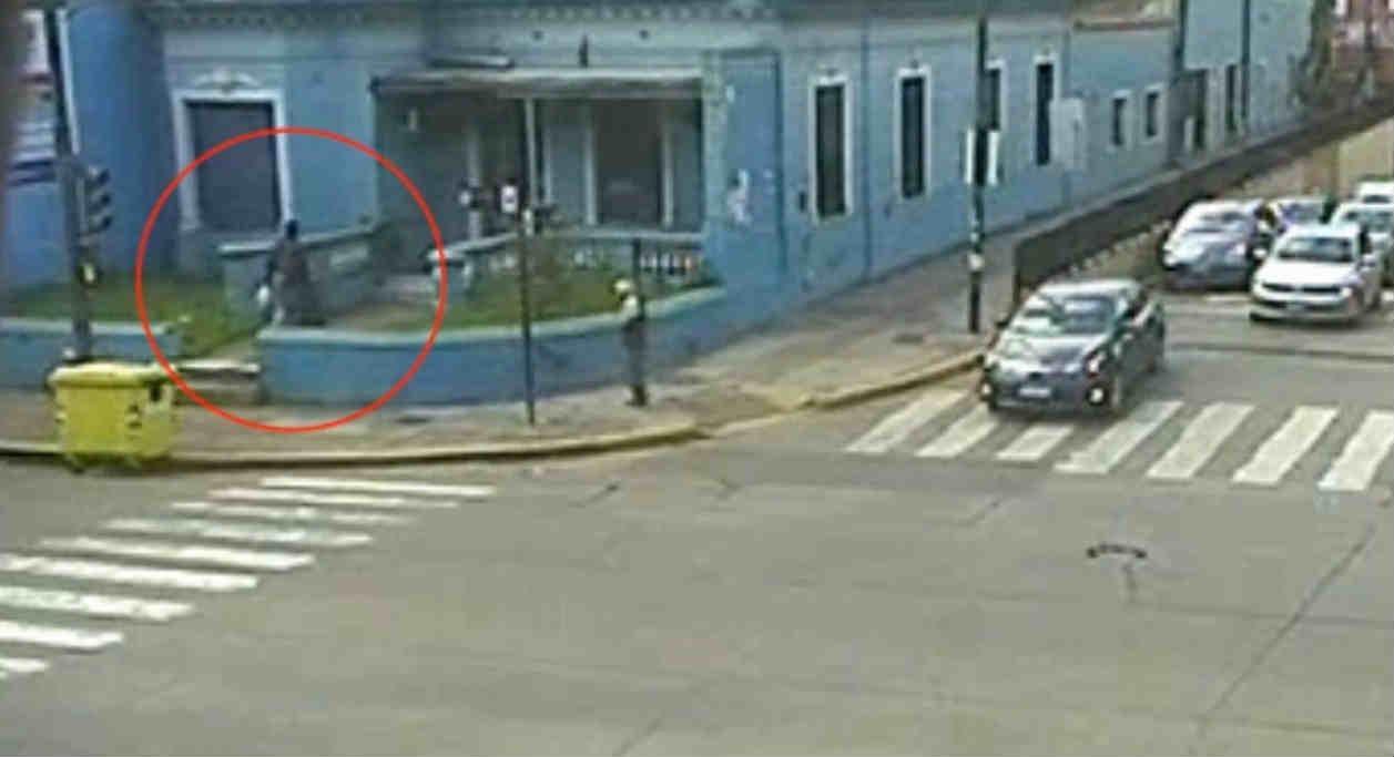 Video: Intentó entrar a una propiedad en San Isidro y fue detenido