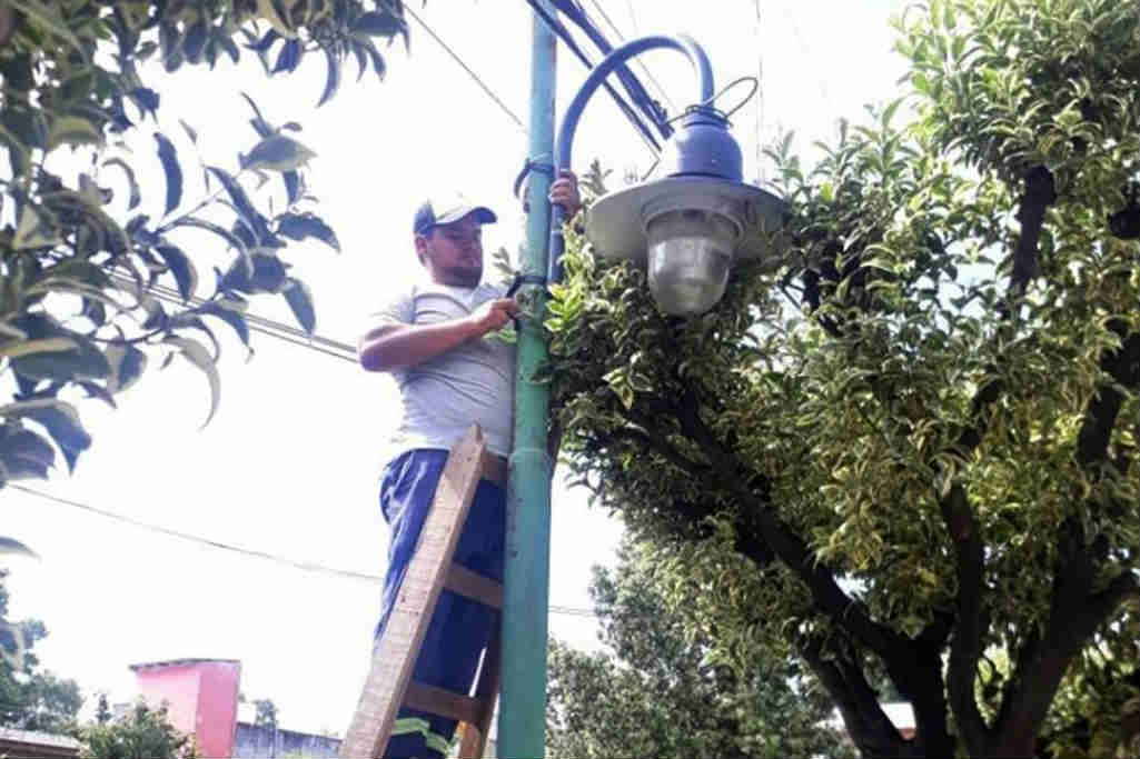 Tigre conecta en Ricardo Rojas más luminarias de vereda