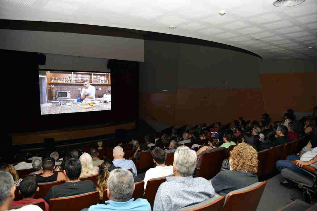 """El documental """"Fondo"""" de Alejandro Bercovich se proyectó en el Teatro Municipal de Benavidez"""