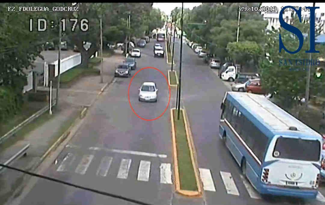 Espectacular persecución en San Isidro: detuvieron a dos hombres que robaban neumáticos
