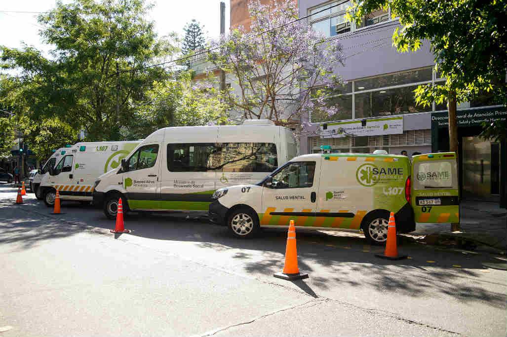 Jorge Macri recorrió la renovada UAP Marcelino y presentó ambulancias