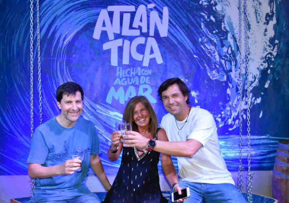 Antares presenta Atlántica, la primera cerveza argentina elaborada a partir de agua de mar. Estará disponible en todos los locales del país desde el jueves 28 de noviembre.